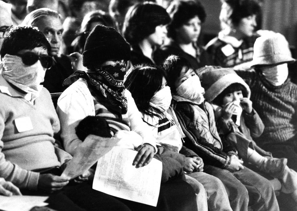 Fleeing civil war and violent repression in their homeland, an indigenous Guatemalan couple and their five children (hiding their identity to avoid retribution to their families back home) take refuge in the Old Cambridge Baptist Church in 1984. The church was a focal point of the local sanctuary movement.