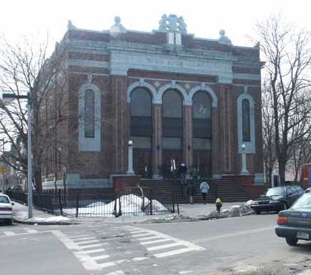 Agudath Israel synagogue building, 2003, then housing Temple Salem Seventh Day Adventist Church.